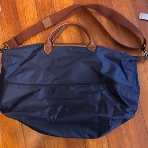 Brand new longchamp weekend bag - used only once!